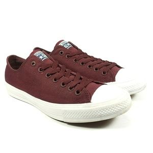 Converse Chuck Taylor 2 All Star Low Top Sneakers